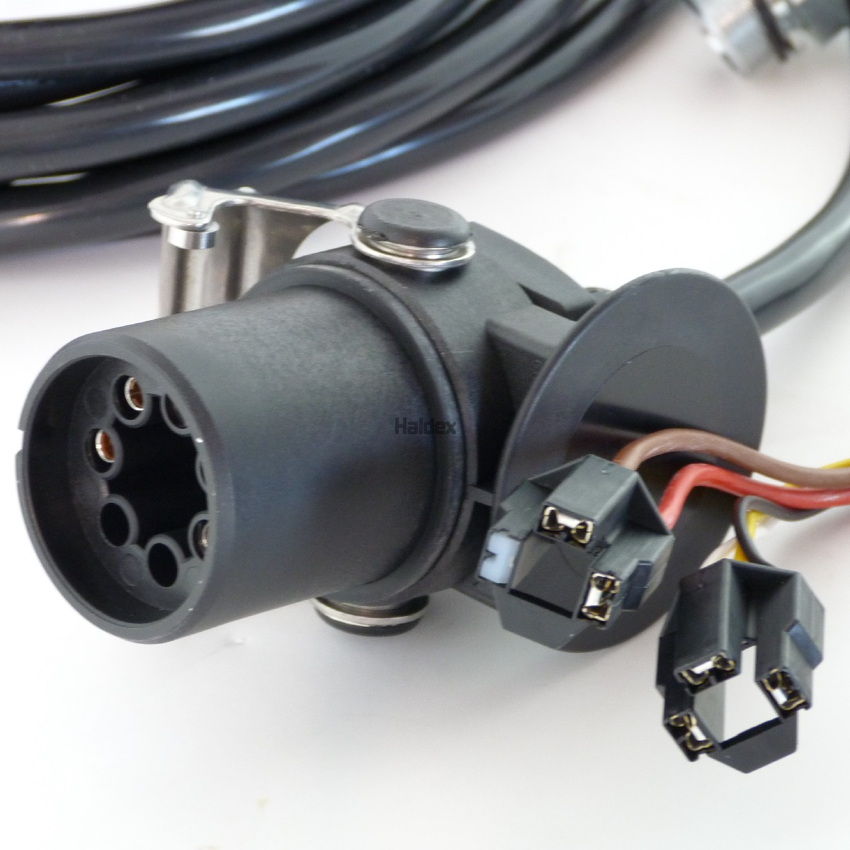 364375011 - Cables  Looms  Plugs  U0026 Sockets